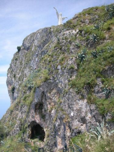 Maratea: santuario rupestre di S. Angelo