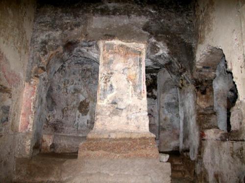 Rapolla: chiesa rupestre del Crocifisso