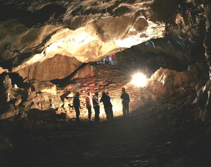 S. Chirico Raparo: la grotta di S. Michele sul Monte Raparo.