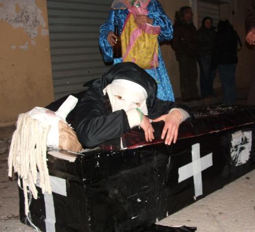 Disperazione della vedova di Carnevalone.